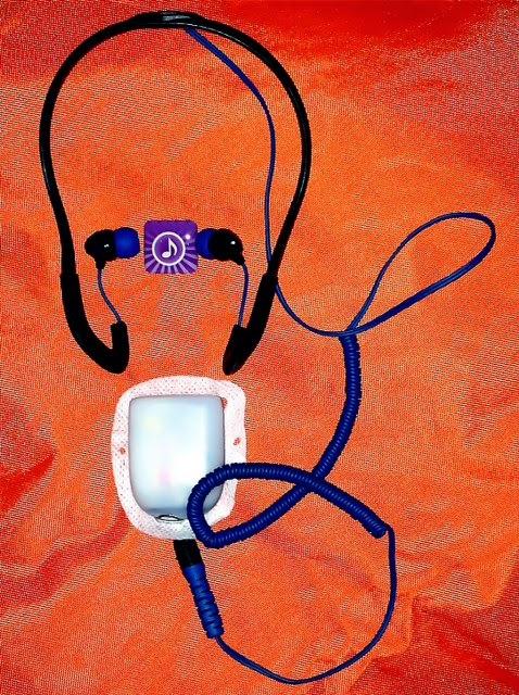 OmniPod-Piep zum Beat: Wasserdichte Kopfhörer am Pod.