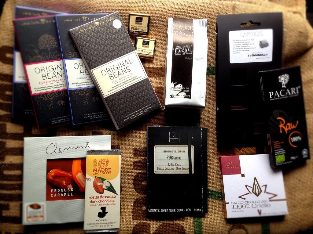 """Schokoladenvorrat: ich bevorzuge die 100%ige Schokolade mit Lakritznote. Hendrik tastet sich auch langsam an die """"echte"""" heran..."""