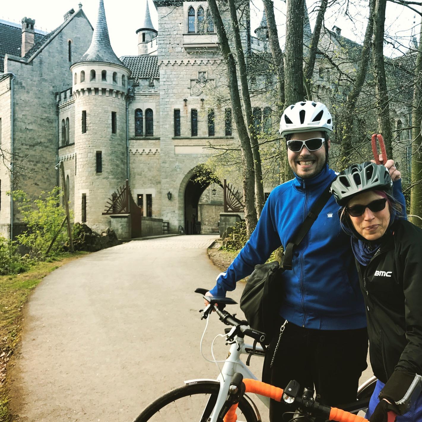 Schloss Marienburg: Man achte auf die Würstchen-Ohren