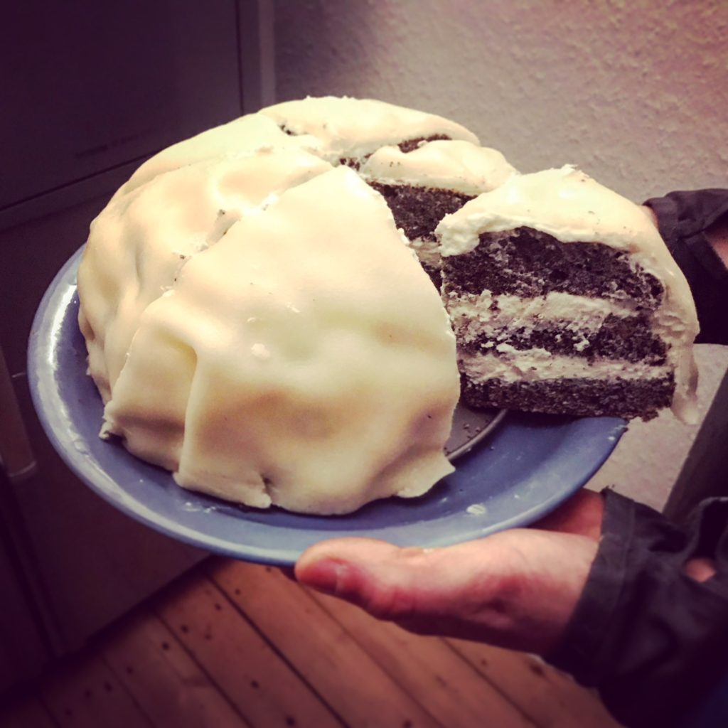 Mohn-Marzipan-Torte light